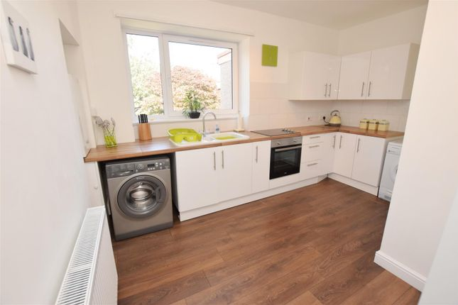 Thumbnail 3 bed flat for sale in Leighton Square, Alyth, Blairgowrie