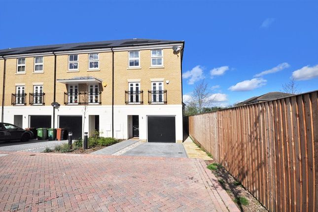 Thumbnail Town house for sale in Hardegray Close, Sutton, Surrey