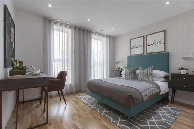 Thumbnail Flat to rent in Godfrey Place, Shoreditch