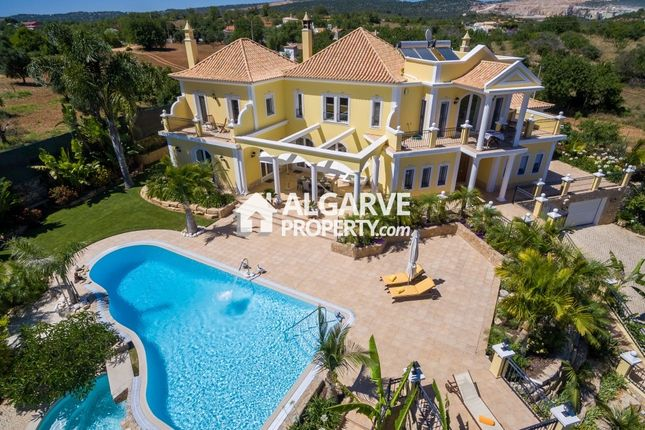 Thumbnail Villa for sale in Vilamoura, Quarteira, Algarve