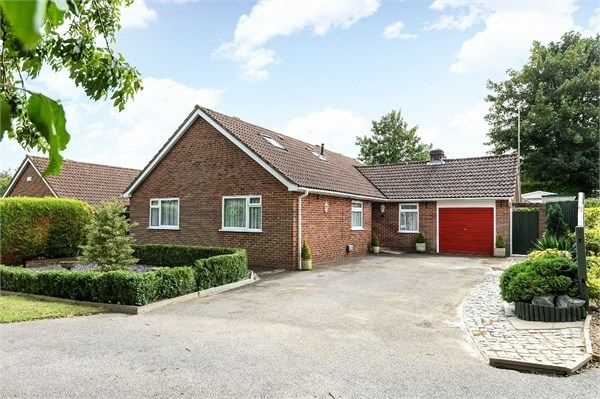 Thumbnail Detached bungalow for sale in Dalewood, Basingstoke