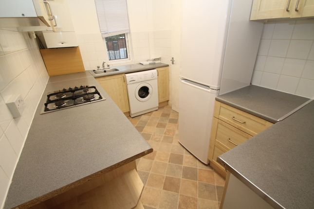 Thumbnail Terraced house to rent in Hessle Road, Hyde Park, Leeds