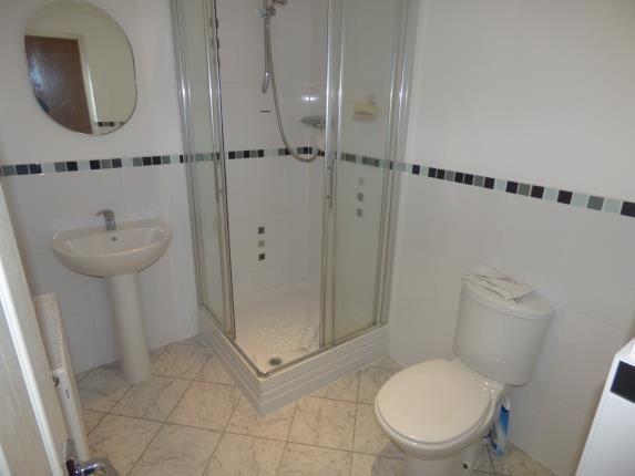 En Suite of Claridge Court, 4A Wennington Road, Southport, Merseyside PR9