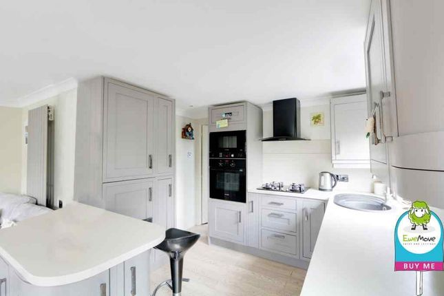 Thumbnail Mobile/park home for sale in Dome Caravan Park, The Spur, Lower Road, Hockley
