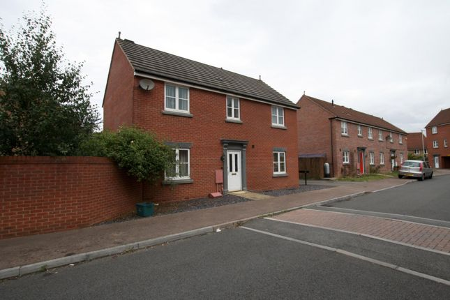 Thumbnail Property to rent in Kingfisher Drive, Cheltenham