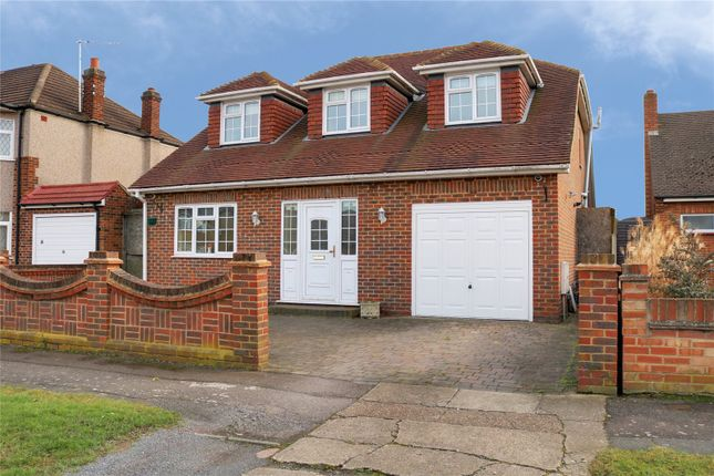 Thumbnail Property for sale in Acacia Gardens, Upminster