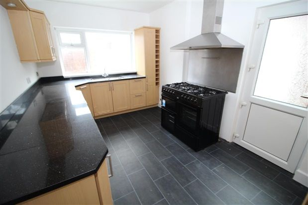 Kitchen of Freemantle Avenue, Blackpool FY4