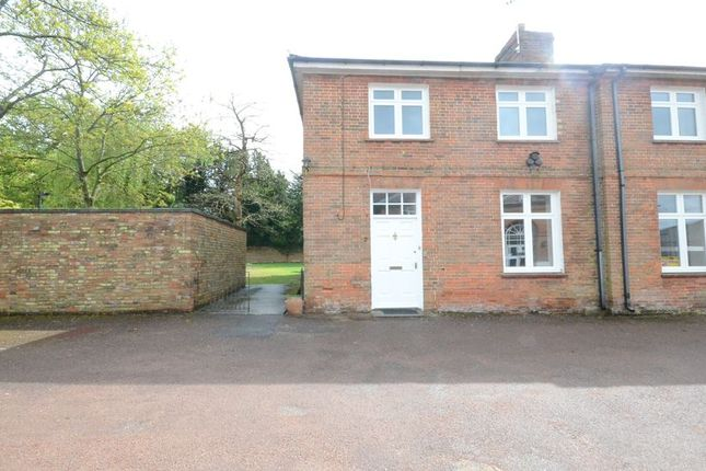 Thumbnail Semi-detached house to rent in Twyford Road, Wokingham