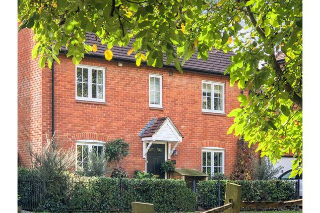 Thumbnail Link-detached house for sale in Hawthorn Avenue, Gillingham