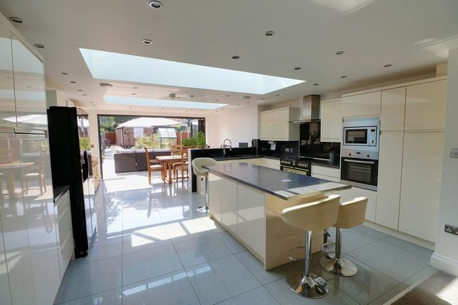 Thumbnail Terraced house for sale in Kingston Road, Willerby, Hull