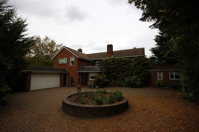 Thumbnail Detached house to rent in Oak Way, Harpenden