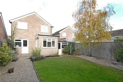 Thumbnail Detached house to rent in Tarrant Avenue, Witney