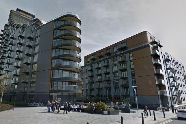 Parking/garage to rent in Binnacle House, 10 Cobblestone Square, London