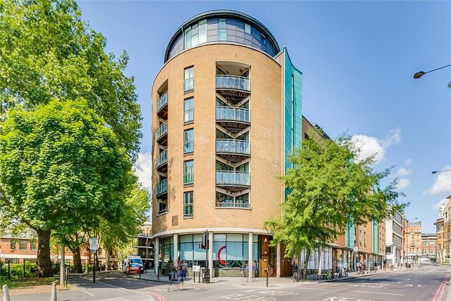 2 bed flat to rent in Angel, London EC1V