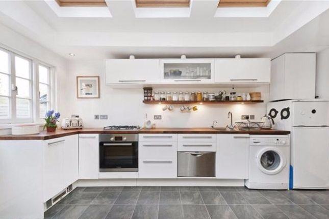 Thumbnail Flat to rent in Deronda Road, London