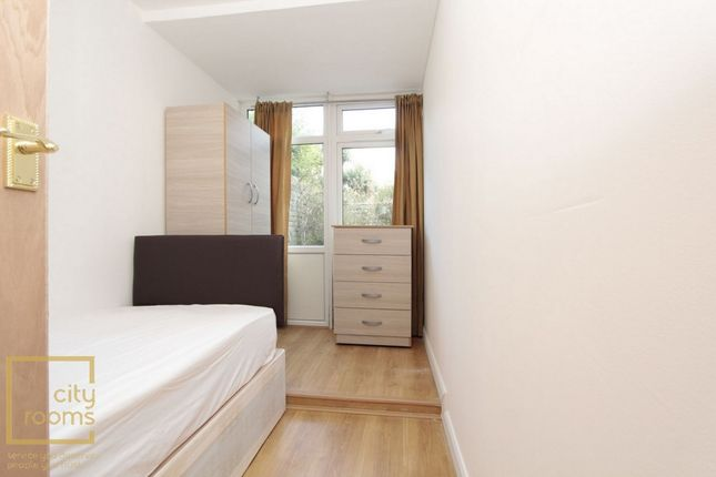 Room to rent in Hind Grove, Poplar