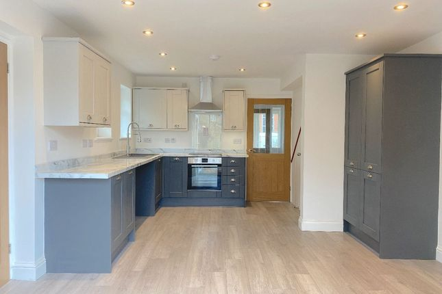Thumbnail Detached house to rent in The Avenue, Leighton Bromswold, Huntingdon