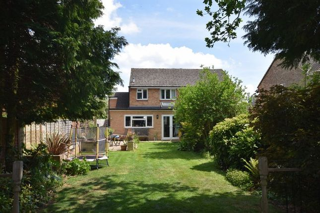 Thumbnail Semi-detached house for sale in Great Close Road, Yarnton, Kidlington