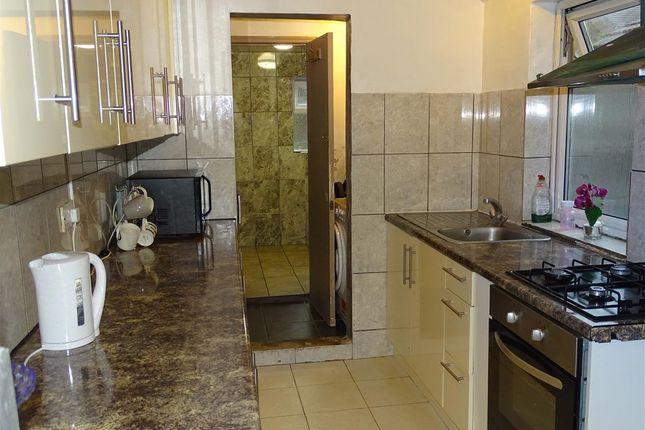 Kitchen of Dane Road, Luton LU3