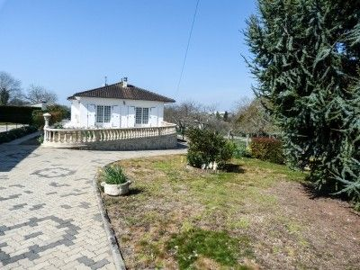 4 bed property for sale in Ruelle-Sur-Touvre, Charente, France