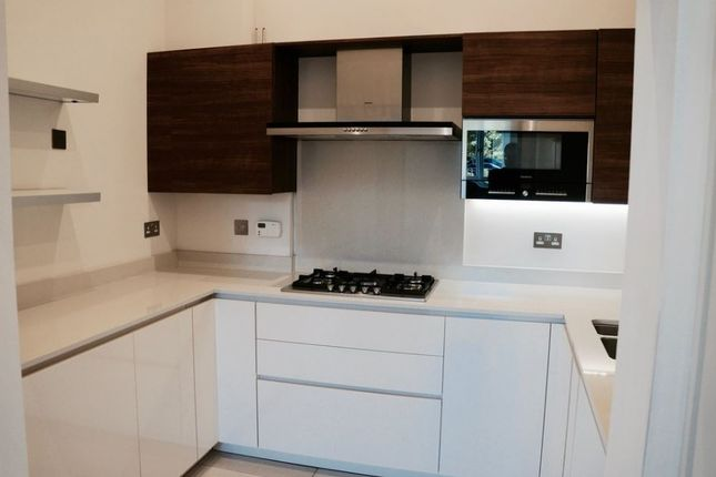 Kitchen-626 of Havanna Drive, London NW11