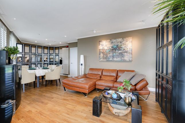 2 bed flat for sale in Hatton Road, Wembley HA0