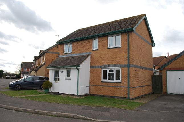 Thumbnail Detached house to rent in 2 Drake Rd, Horley