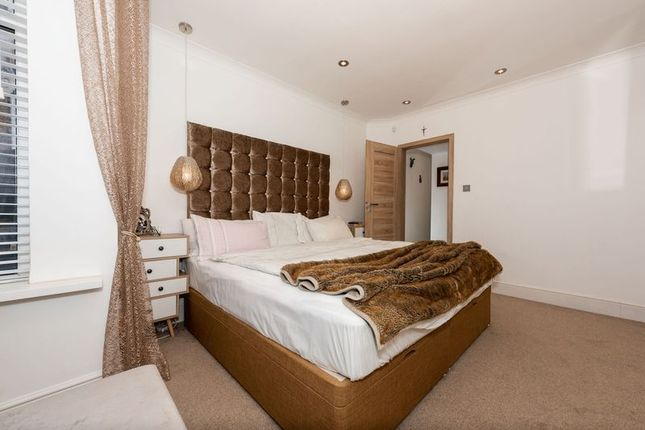 Photo 3 of Russell Rise, Luton LU1