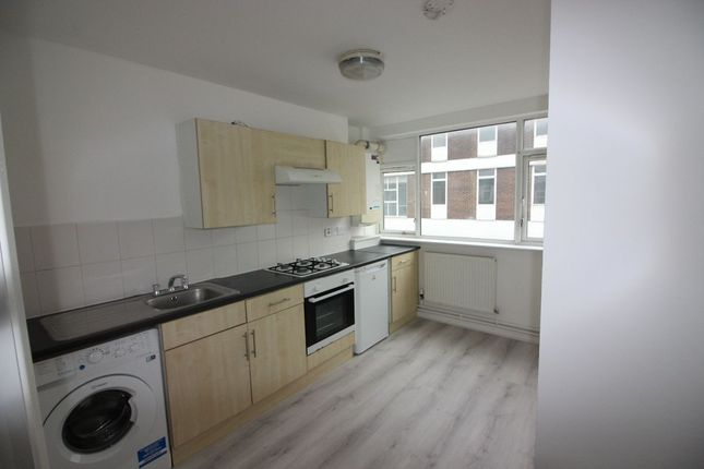 Flat to rent in Cricklewood Lane, London