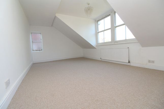 Thumbnail Flat to rent in Sandford Road, Bromley