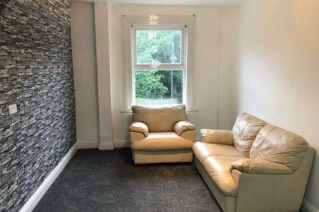 1 bed flat to rent in High Street Wanstead, London E11