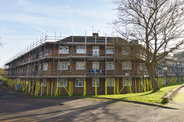 Thumbnail Flat for sale in Willow House, The Grange, East Finchley, London