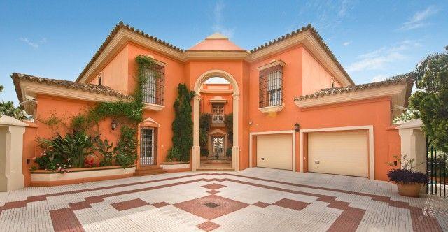 Drive And Villa of Spain, Málaga, Mijas