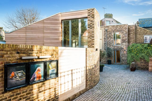 Thumbnail Town house for sale in Becklow Road, London