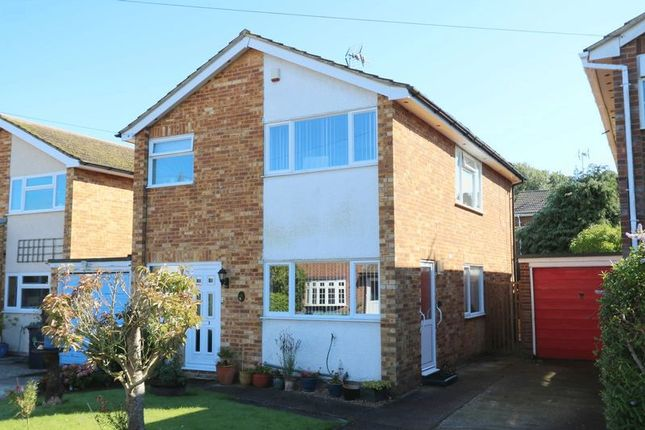 3 bed detached house for sale in Woodside Avenue, Flackwell Heath, High Wycombe