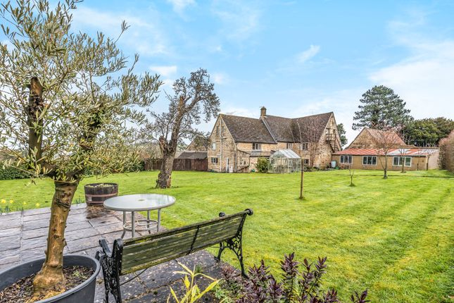 Thumbnail Farmhouse for sale in Middleyard, Kings Stanley, Stonehouse