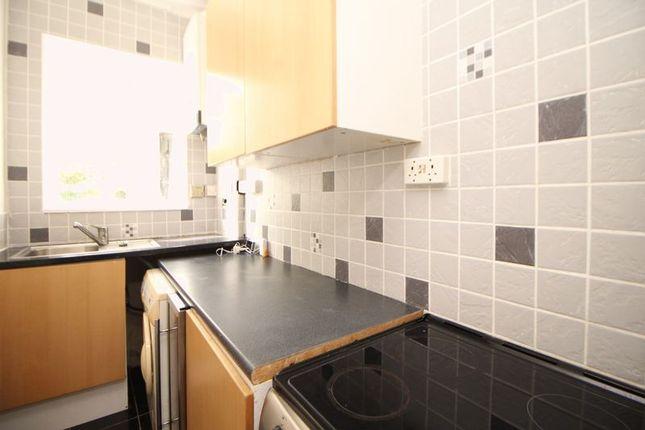 Kitchen of Forbes Terrace, Salisbury Street, Kirkcaldy KY2
