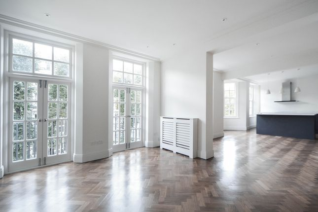 Flat to rent in Redcliffe Gardens, London