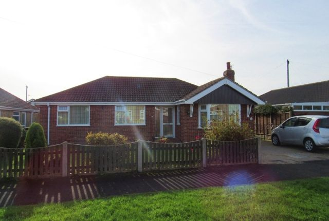 Thumbnail Bungalow to rent in The Crescent, Holton-Le-Clay, Grimsby