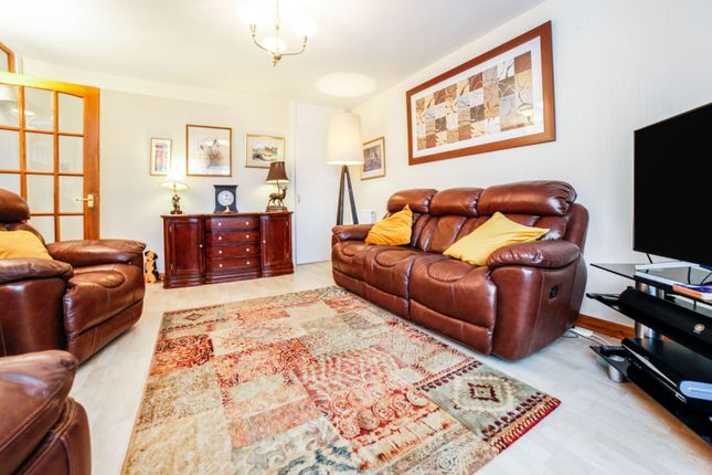 Lounge of Aberdour Place, Dundee DD5