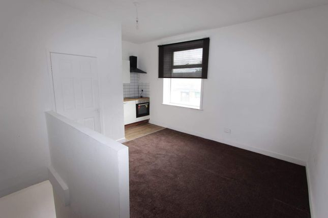 Thumbnail Terraced house to rent in Halifax Road, Smithybridge, Rochdale