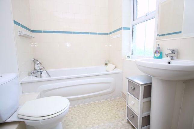 En-Suite of Weston Lane, Southampton SO19