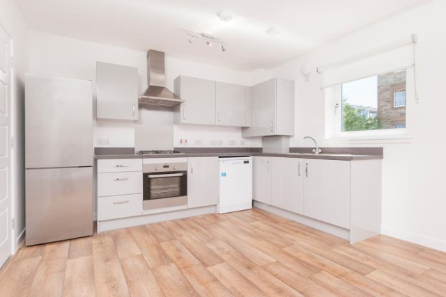2 bed flat to rent in Mcleod Street, Edinburgh EH11,