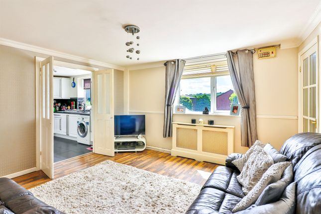Thumbnail Flat for sale in New Marsh, Sowerby Bridge