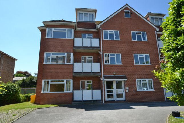 Thumbnail Flat to rent in 1 Beechwood Court, Worthing
