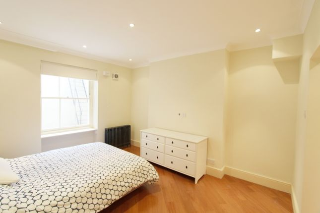 2 bed flat to rent in Inverness Terrace, Bayswater