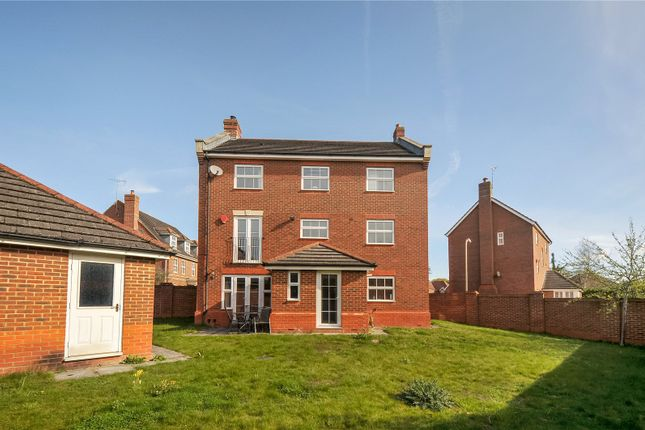 Picture No. 23 of Arbery Way, Arborfield, Reading, Berkshire RG2