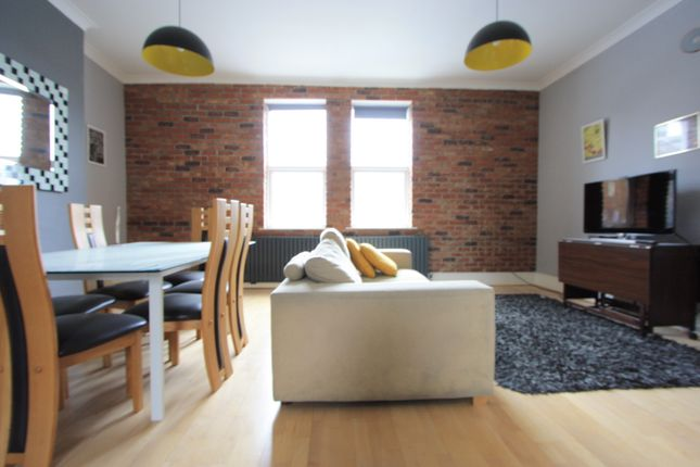 3 bed flat to rent in Cinnamon Apartments, South Wimbledon SW19