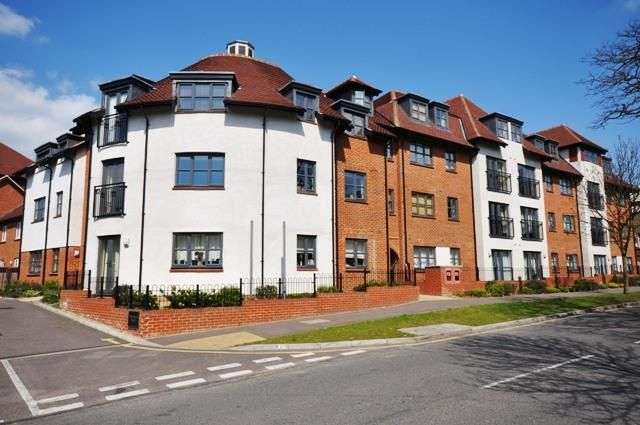 Thumbnail Flat to rent in Dunkerley Cour, Letchworth, Hertfordshire