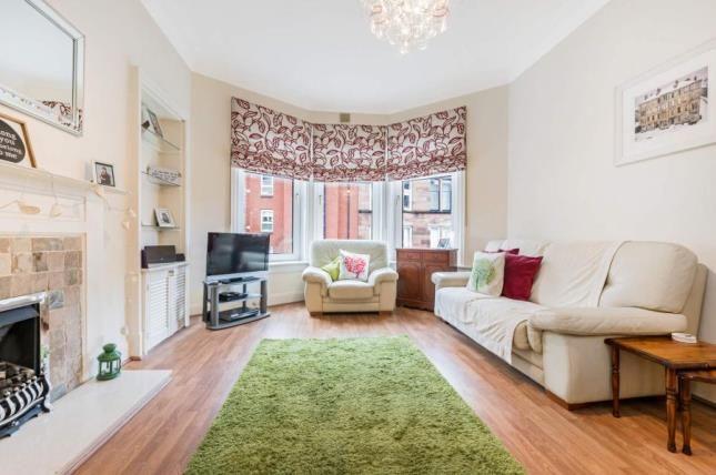 Picture No.05 of Trefoil Avenue, Glasgow, Lanarkshire G41